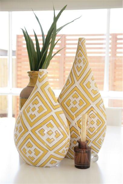 Design Art House decorative yellow vases.