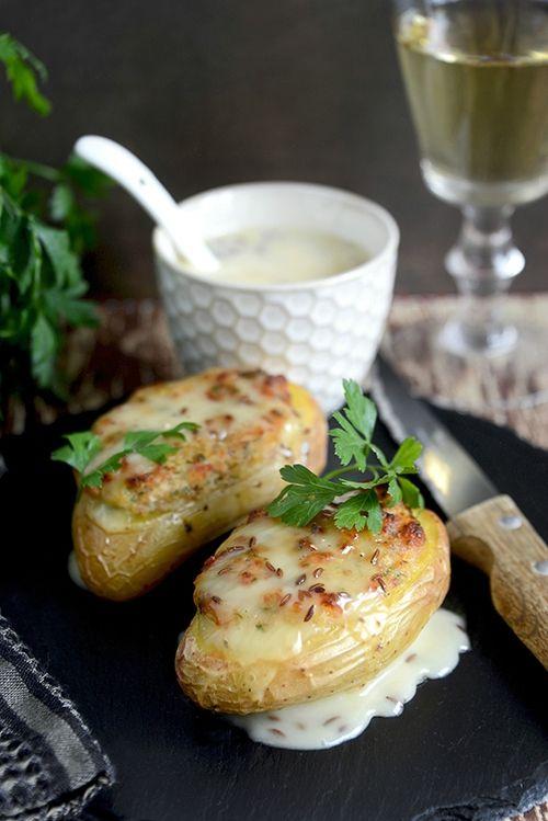Cuisine d'hiver - Pommes de terre farcies au jambon cru et cancoillotte au cumin…