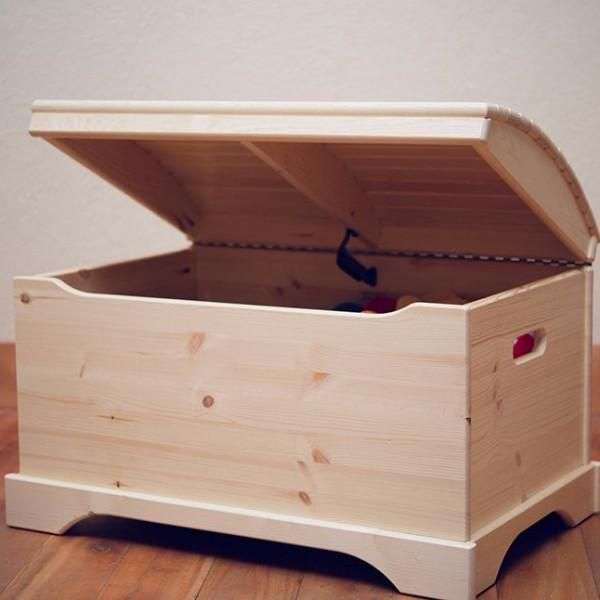 Joyful Toy Boxes Wholesale Hypnotizing Hues To Pull In Children With Beautiful Themes Wooden Toy Boxes Wooden Toy Chest Chests Diy