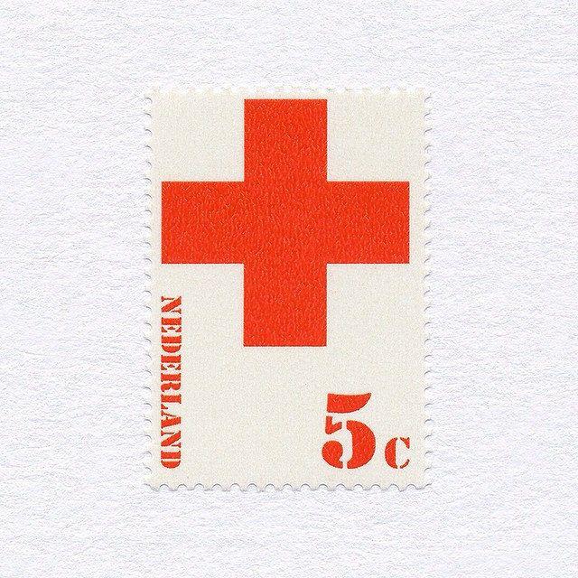Red Cross (5c). Netherlands, 1972. Design: Marte Röling. #mnh #graphilately