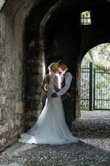 Romantic Weddings on Lake Garda | Wedding planners for the most romantic Lake Garda weddings in Italy.A romantic moment, Malcesine Castle.