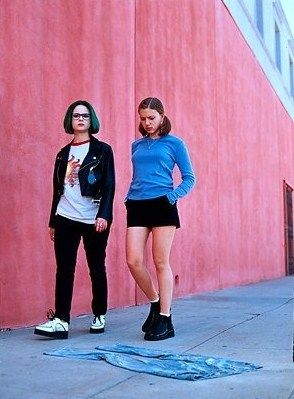 Enid (Thora Birch) & Rebecca (Scarlett Johansson) in Ghost World. Wacky #BechdelTest movie