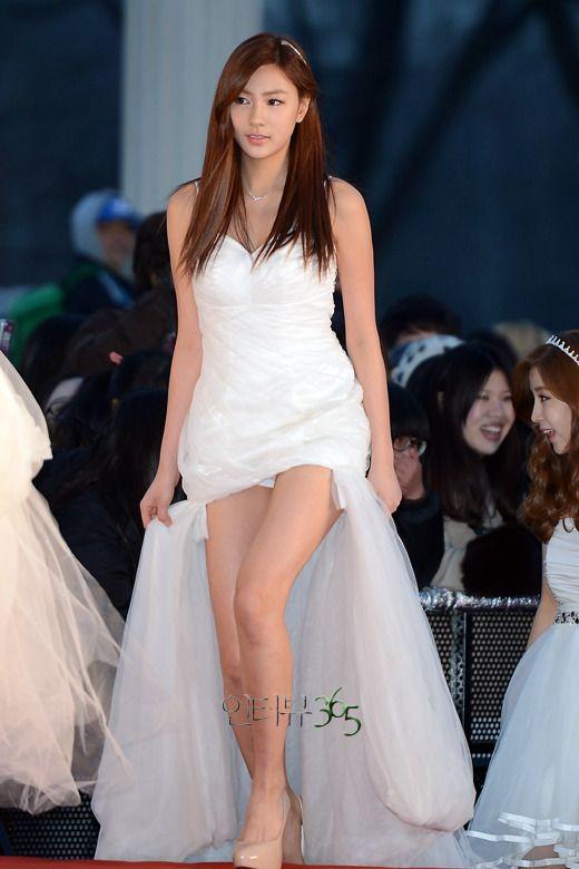 S90123-000230 in 2020 | Ao dai, Fashion, White dress