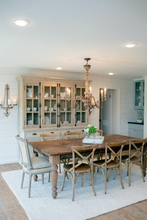 25 best ideas about dining hutch on pinterest painted for Joanna gaines dining room ideas