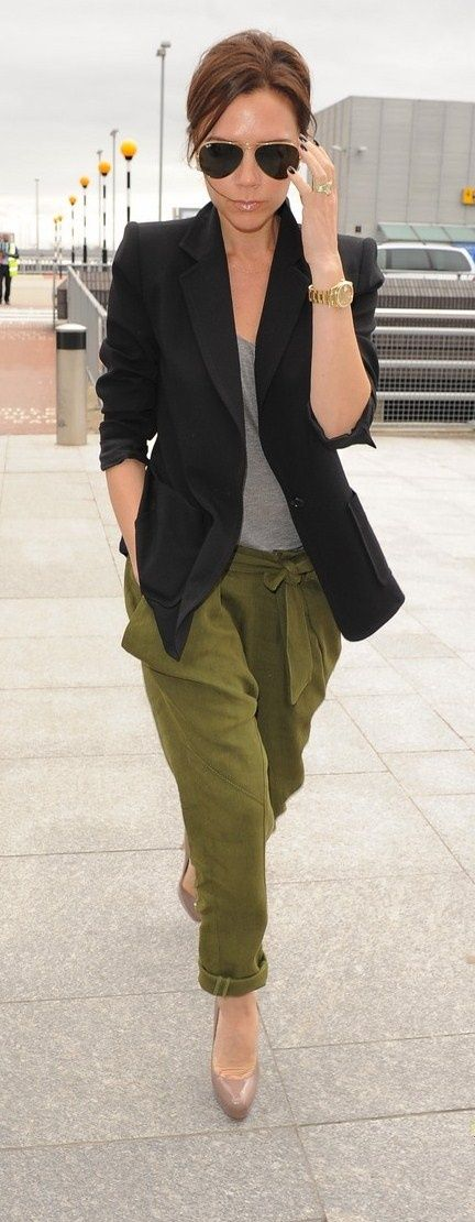 Slouchy Pants, comfy, yet girly with the heels and the Victoria Beckham attitude! Heart.