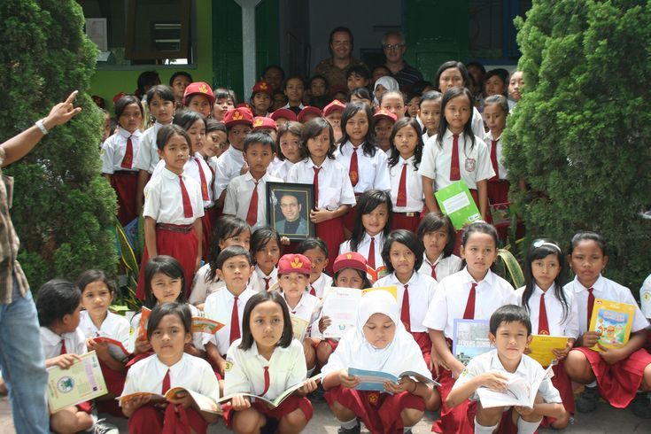 Nonprofit THE WORLD IS JUST A BOOK AWAY builds libraries and school programs in areas of Indonesia that sustained tsunami and earthquake damage.