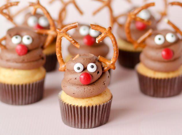 Adorable reindeer cupcakes are impossible to resist. Imagine your holiday party dessert table with a few dozen of these sweet treats!
