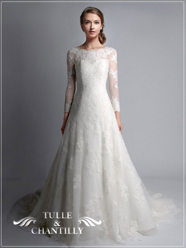 vintage bateau neckline wedding dress with lace sleeves