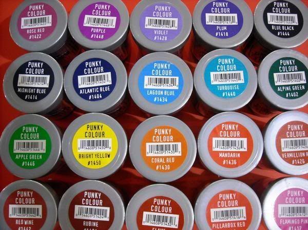 В наличии 20 цветов безаммиачных красок для волос Punky Colour: розовые, красные, оранжевые, жёлтые, синие, голубые, фиолетовые, зелёные, белые цвета. http://punkycolour.com.ua/magazin