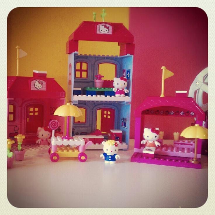 1000 images about shopkins on pinterest toys r us mood - Lego hello kitty maison ...