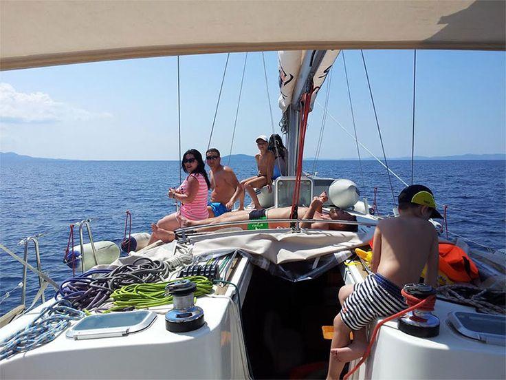 A memorablesailing #experience day can be enjoyed exploring the treasures of Kelyfos island and the natural harbors #sailing #Halkidiki #Greece #sailing