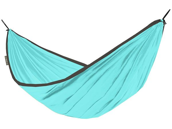 http://www.whamaku.pl/hamak-turystyczny-idealny-super-lekki-szybkoschnacy-odporny-na-plamy-colibri-h150-p2000
