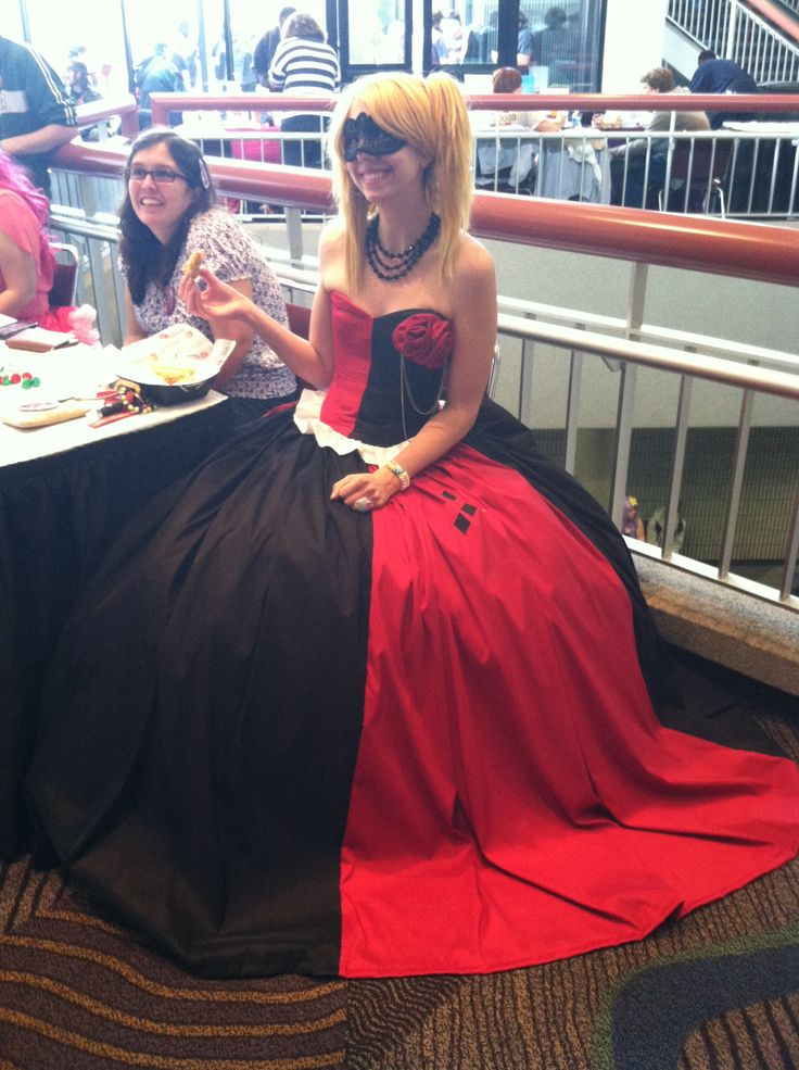 Ball gown harley quinn cosplay ideas pinterest gowns for Harley quinn wedding dress
