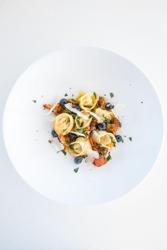Tortellini mit Pfifferlingen und Heidelbeeren