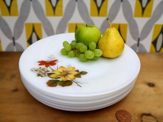 Autumn Glory pyrex plates . Set of six 6 JAJ Pyrex lunch