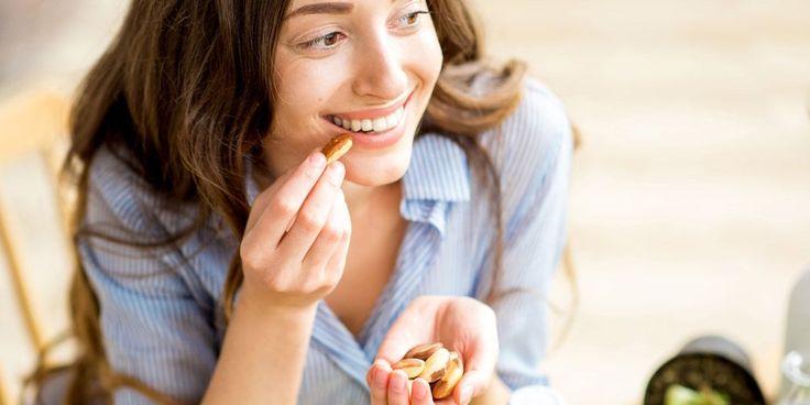 ❓ Σπάνε τα νύχια σας; Μήπως φταίει η διατροφή σας; Δείτε την απάντηση εδώ!