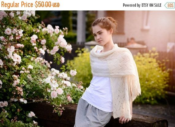 Light cream hand made lace shawl  Ready to by Isabellwoolstudio
