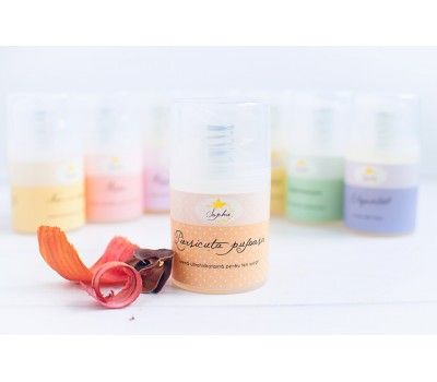 Piersicuta pufoasa este o crema ultrahidratanta pentru tenul uscat si sensibil, cu ulei de caise, unt de shea nilotica si unt de tucuma. Parfumul sau este unul delicat, fructat.
