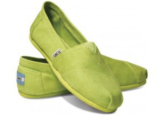Need to add these to my ItWorks Wardrobe..Lime green TOMS