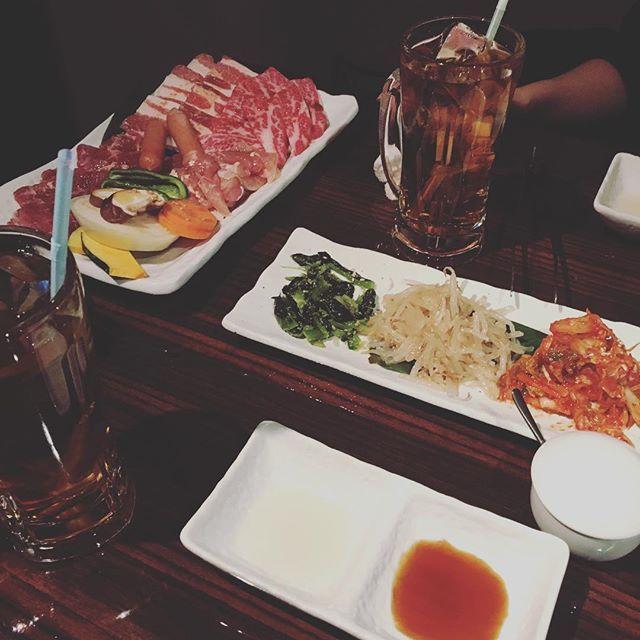 夜は焼肉🍖🍖🍖 毎日肉祭りぢゃ🍖  明日は控えよう😅 妹夫婦といとことお友達のお店に行って来たよ〜‼︎ 美味しかった〜꒰。 › ·̮ ‹ 。꒱ #肉祭り  #焼肉 #肉食女子  #肉 #食レポ #デブ活  #デブまっしぐら  #食べるの大好き  #妹 #夫婦 #いとこ  #仲良し #久しぶり #4人 #ごはん  #晩御飯 #わいわい  #楽しい時間  #土曜日 #週末  #姉妹 #親戚会  #最近食べ過ぎ  #ダイエットって何  #できない  #美味しいものが好き  #いろいろある  #アラサー女子