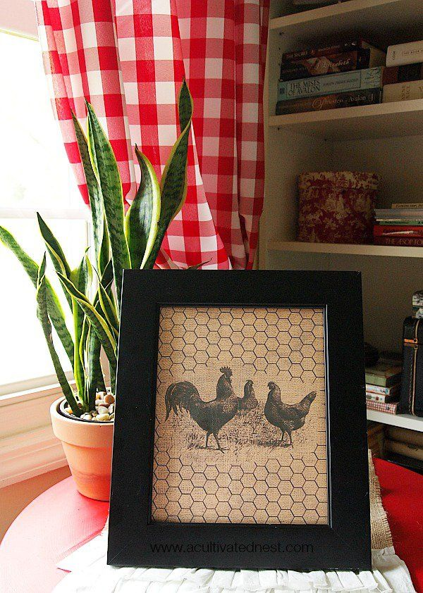 Free home decor printable - 3 hens on burlap with chickenwire. Great for cottage, country and farmhouse decor!