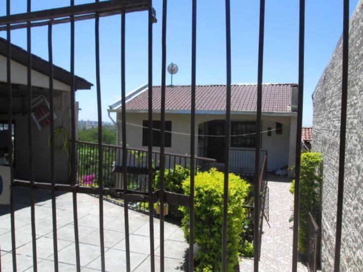 Casa com 2 Quartos para Alugar, 100 m² por R$ 800/Mês Protásio Alves, Porto Alegre, RS, Foto 0