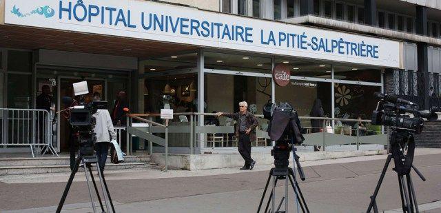 Jacques et Bernadette Chirac hospitalisés : la famille appelle au respect