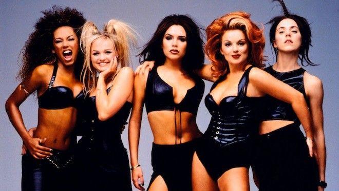 Ce n'est plus une rumeur, les Spice Girls feront leur retour lors d'une grande tournée mondiale en 2016, Reunion Tour. Apparemment, une date a été retenue à Paris en novembre. Rien n'a encore été confirmé pour les dates! mais ce retour est bien officiel....