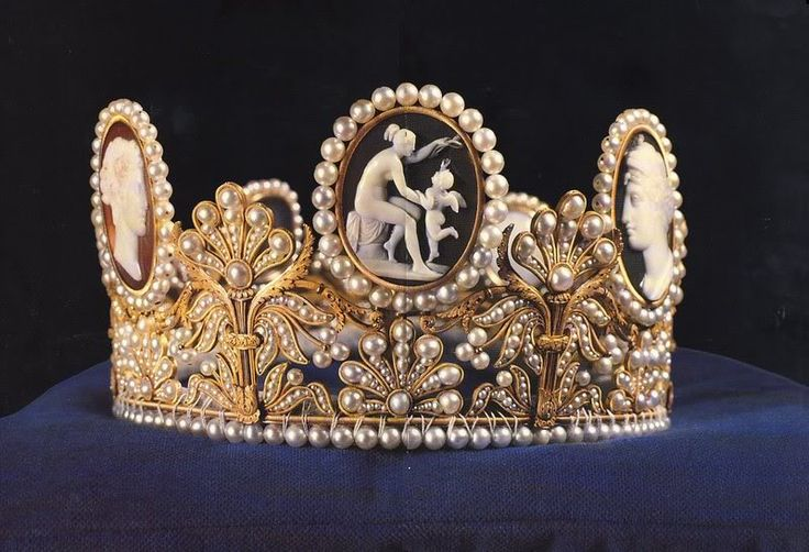 The Cameo tiara was probably a gift from Napoleon to his wife, Empress Josephine, in 1809. It was made at the Nitot studio in Paris.