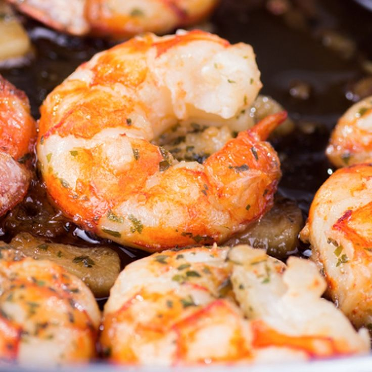 A simple recipe for garlic prawns with a dash of lime or lemon juice to lighten and freshen them up. What a perfect quick meal when time is limited.. Garlic Prawns Recipe from Grandmothers Kitchen.