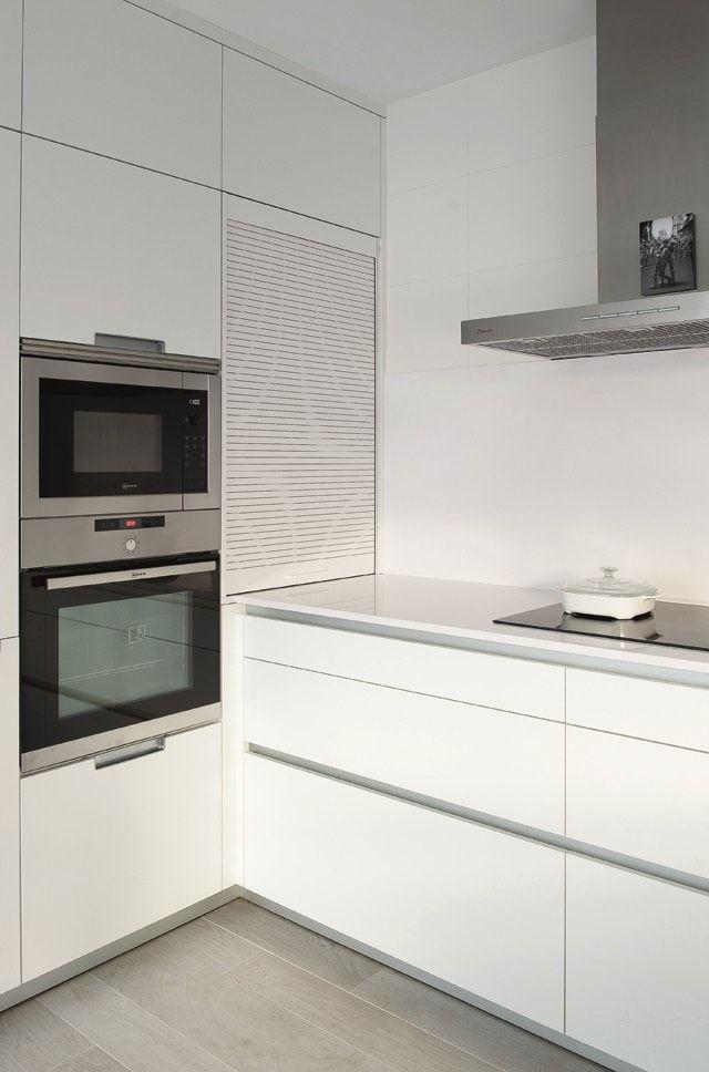 cocina-blanca-con-isla-santos-brezo-12