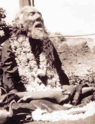 Mahasamadhi Swami Sri Yukteswar- Marzo 9 1936- Abandonó su vehiculo terrestre en forma consciente. Cuando esto se hace se puede ejercer control sobre si se volvera o no al plano terrestre.