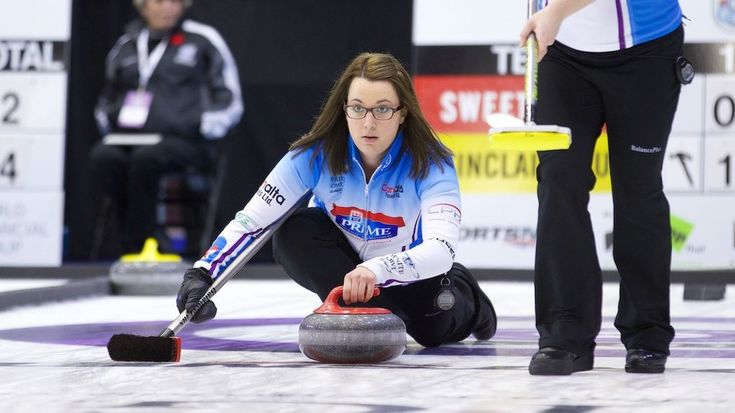 Curler Val Sweeting(Photo from the official Twitter account of Grand Slam Curling) GRANDE PRAIRIE, Alta.—Val Sweeting made it count when it mattered at the 2015 Canada Cup. The Edmonton skip responded from being dispatched to a tiebreaker by Winnipeg's Jennifer Jones on Friday with a 5-3 semifinal victory on Saturday in a rematch. Team Sweeting will play Rachel Homan's Ottawa-based team in Sunday's women's final. Homan ran a 5-1 record to finish first in the round robin and an automatic…