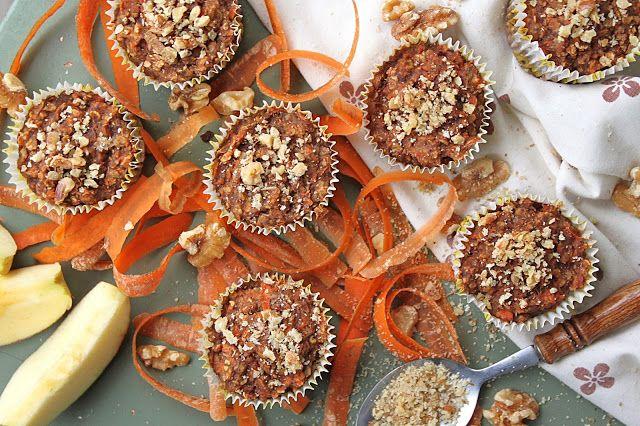 Mrkvovo-jablečné muffiny se skořicí a ořechy