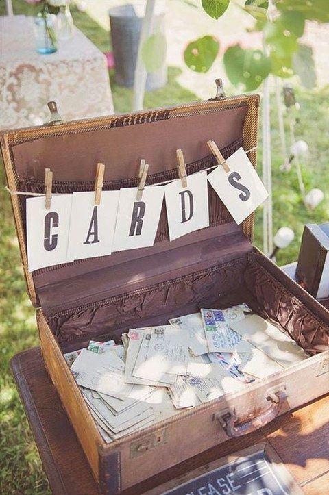 31 Rustic Wedding Card Boxes | HappyWedd.com #PinoftheDay #rustic #wedding #card #boxes #CardBoxes