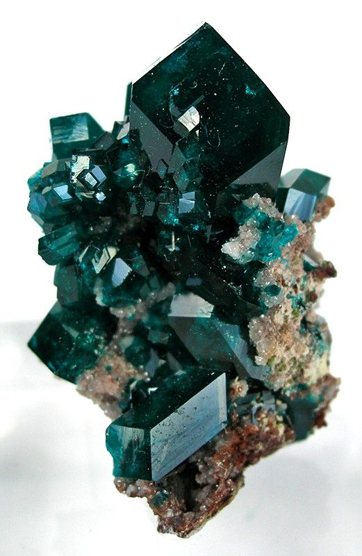 Dioptase from Tsumeb Mine, Tsumeb, Otjikoto Region, Namibia [http://img.irocks.com/pics/tuc8-115a.jpg]