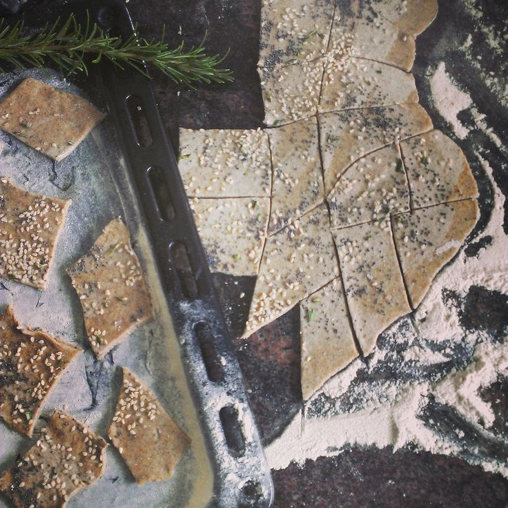 Homemade volkoren crackers