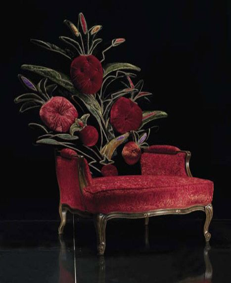 Gorgeous Chair luv all the detail.  Pinned By Vicki Visel Florido