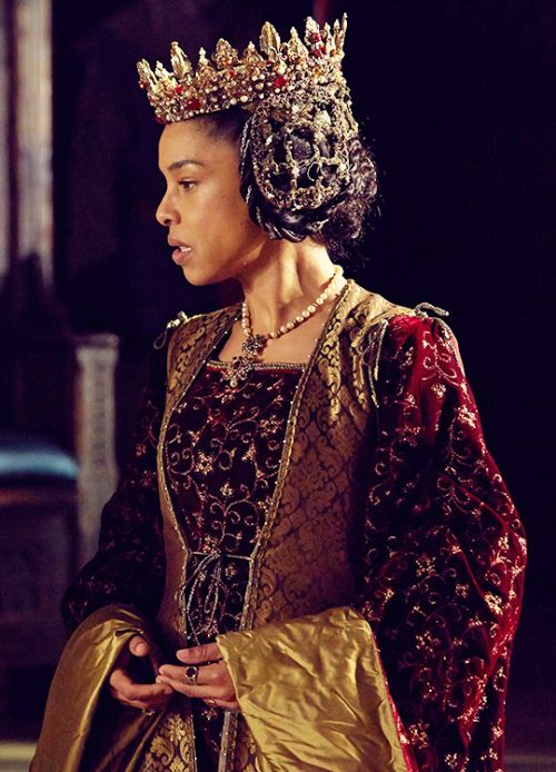 Sophie Okonedo as Margaret of Anjou in 'The Hollow Crown: Henry VI' (2016).
