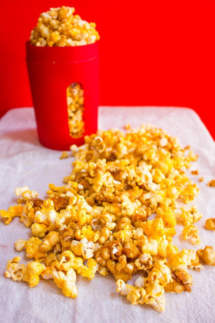 Caramel and cheddar, my new fav!! (Chicago Mix Popcorn)