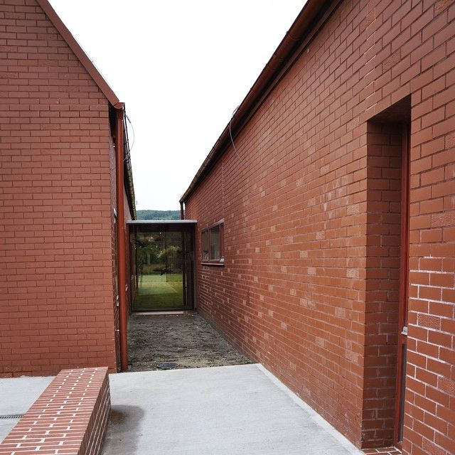 Shot at the Opening Ceremony of Daycare in Nagykovacsi by Foldes Architects / Architects: Laszlo Foldes, Peter Sonicz / #foldesarchitects #daycare #hungary #nagykovacsi #architecture #archetypical #pavilion #brick