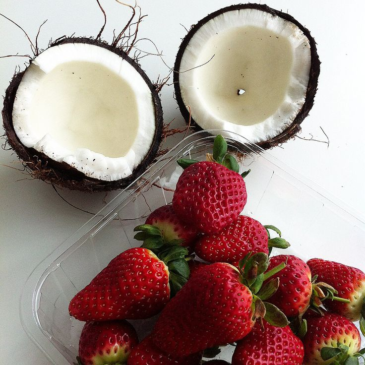 Coconut & strawberries for breakfie