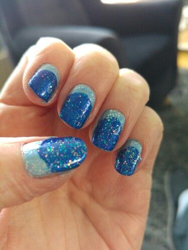 Holografisch lichtblauw, ddonkerblauw en O-P-I blauwe glitter topcoat
