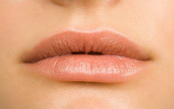 Για χείλη… βελούδο και το φθινόπωρο - http://www.daily-news.gr/beauty/gia-chili-veloudo-ke-fthinoporo/