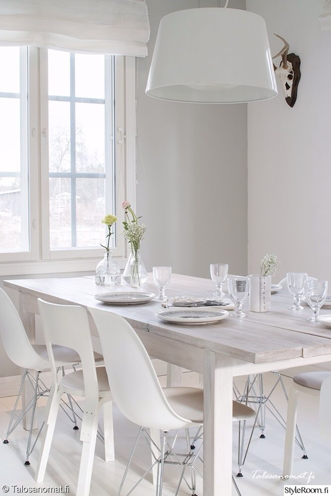 eames dsr,artek tuoli66,kattaus,marimekko,siirtolapuutarha,astiasto,kukka-asetelmat,keittiö