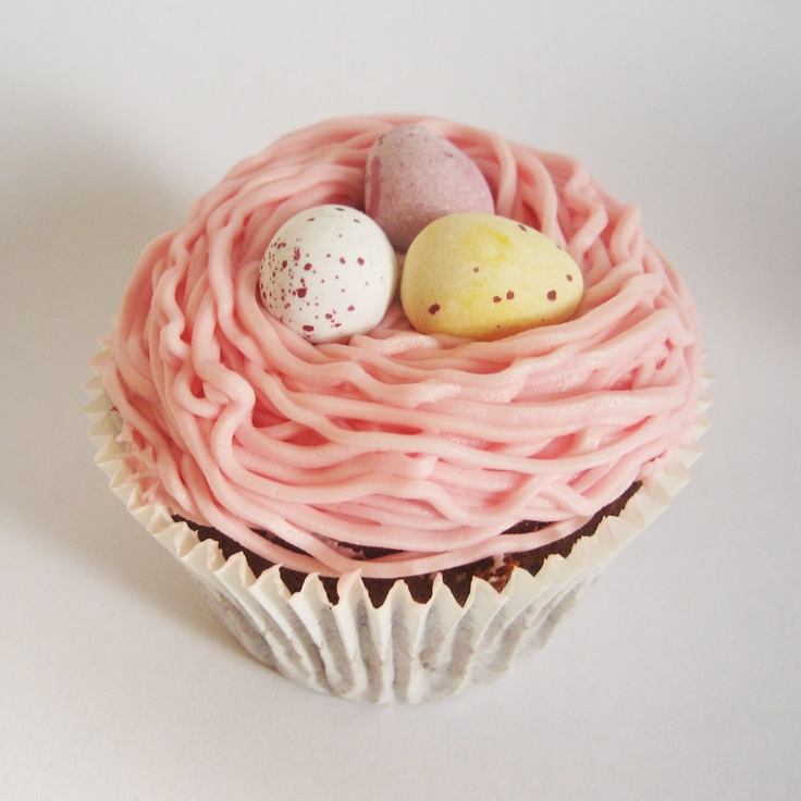 Easter Cupcake by missnattiescupcakes.co.uk