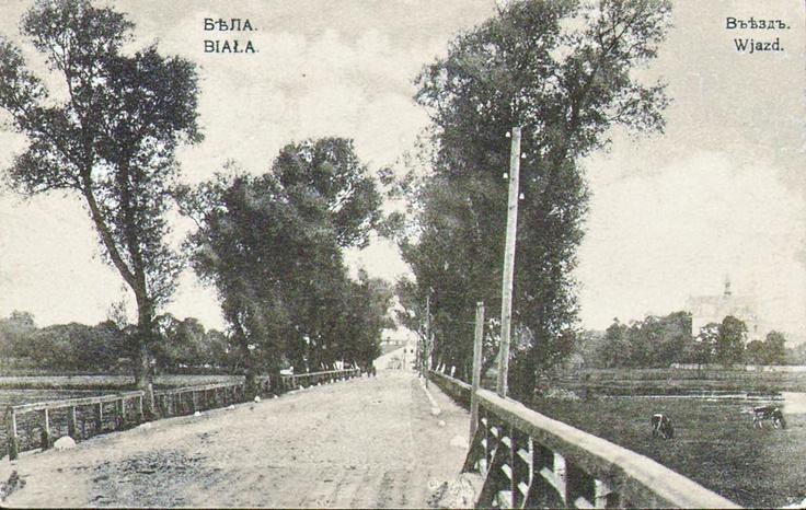 Biała Podlaska, 1912 r. Most na rzece Krzna, w tle po prawej stronie widoczny jest Kościół Św. Antoniego. Aktualnie ul. Zamkowa / Łomaska.