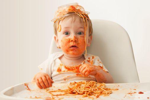 Ese momento en que te das vuelta 5 segundos cuando tu hijo está almorzando ¡Paciencia #Babylover! #NoSéQuéPasó