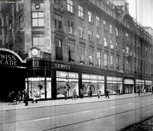Nostalgic shot of Lewis's in 1940