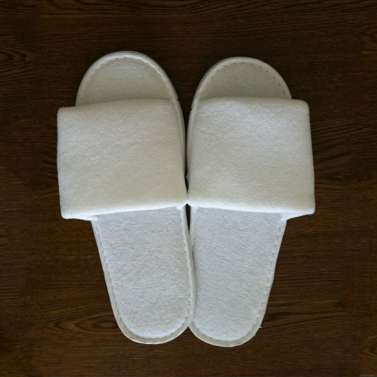 $1.99  Slippers :: Open Toe Adult Slippers - Wholesale bathrobes, Spa robes, Kids robes, Cotton robes, Spa Slippers, Wholesale Towels
